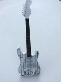 G2018007 Pink Floyd the Wall mini decoratie gitaar