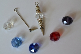 A1 Magic Pin met een puntpin en een chrystal tussen kraal