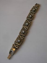 D302 Grijze veter armband met blok bloem leermetaal met ring en swarovski kristal en trechter glad