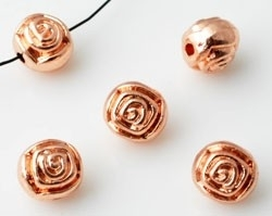 76006 Metalen kraal rond bewerkt met roos Roze Goud 8 mm