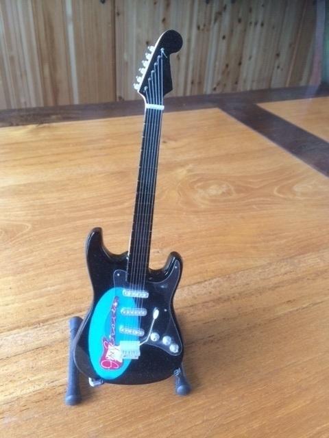 G2016008 Dire Straits decoratie gitaar