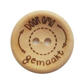 Durable houten knopen: Door oma gemaakt 30mm -2 stuks-
