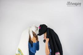 Garenpakket knuffeldeken Saartje het Stinkdier  woolytoons 2