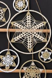 Pakket  Mandala Kerstboom uit aan de Haak nummer 29 Kerstspecial 2020