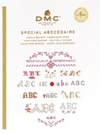 DMC Mini Borduurboekje  Spécial Abécédaire (letters) met garen