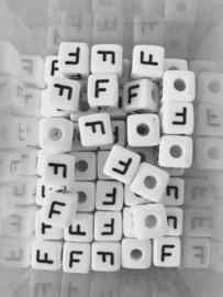Letterkraal acryl wit F