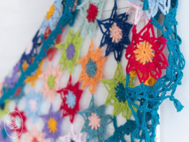 Colourful Cosy Flower Shawl inclusief patroon!