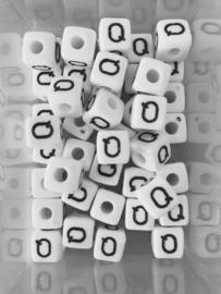 Letterkraal acryl wit Q