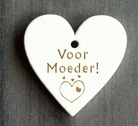 """Wit houten hart label met """"Voor moeder"""""""