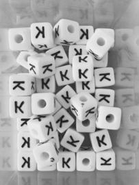 Letterkraal acryl wit K