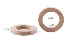Houten ring 30mm - binnendiameter 20mm - met rijg gaatjes
