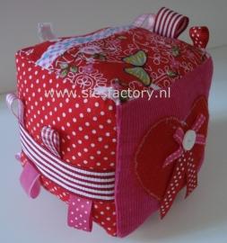 kubus roze  / rood  / bloemen mix met hartje