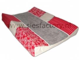 aankleedkussenhoes met rood / zand en taupe