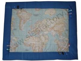 Boxkleed  landkaart met midden blauw jeans en labeltjes