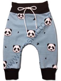 Broekje licht blauw, zwart met panda