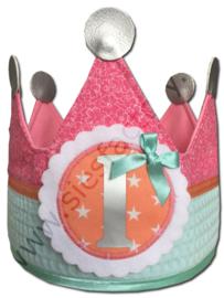 Verjaardagskroon zacht roze, mintgroen wafeldoek met coral en zilver accenten