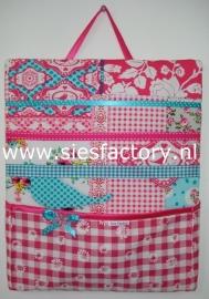 Memobord / knipjesbord roze, turkoise en wit met roze bloemen geruit zakje