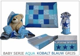 Babykamer aankleding aqua, kobalt blauw (jeans) en grijs met sterren voor monique