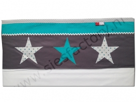 lakentje ledikant in banen grijs, wit en turquoise met sterren
