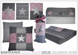Babykamer aankleding in licht roze, grijs en wit met zilveren ster en extra stof