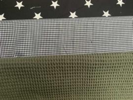 lakentje en dekentje ledikant legergroen en zwart met wafeldoek