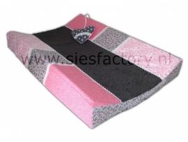 aankleedkussenhoes roze en grijs met speel hartje