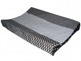 Aankleedkussenhoes zwart, wit met ruitje en chevron/zigzag