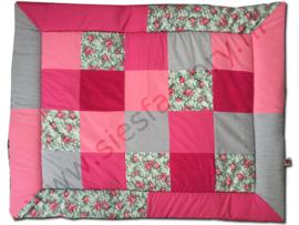 Boxkleed 80x100 in roze met grijs en rozen