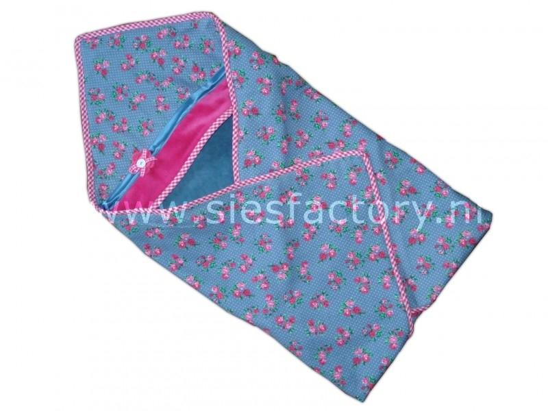 Wikkeldoek grijs / blauw , blauw bloemenmotief en roze