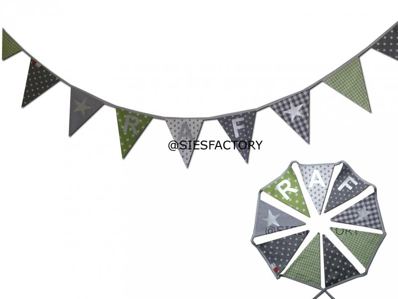 Feestslinger groen, grijs en wit sterren en stippen