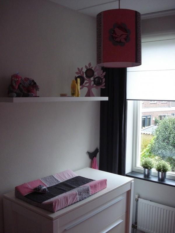 Babykamer roze met grijs