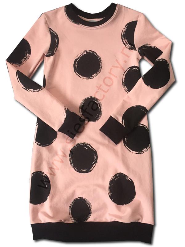Jurk roze/perzik grote zwart cirkels KORTE MOUW!