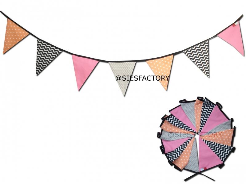 Feestslinger chevron zwart wit, roze , zand en coral