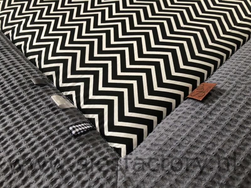 Boxkleed zwart wit met grijze wafeldoek rand