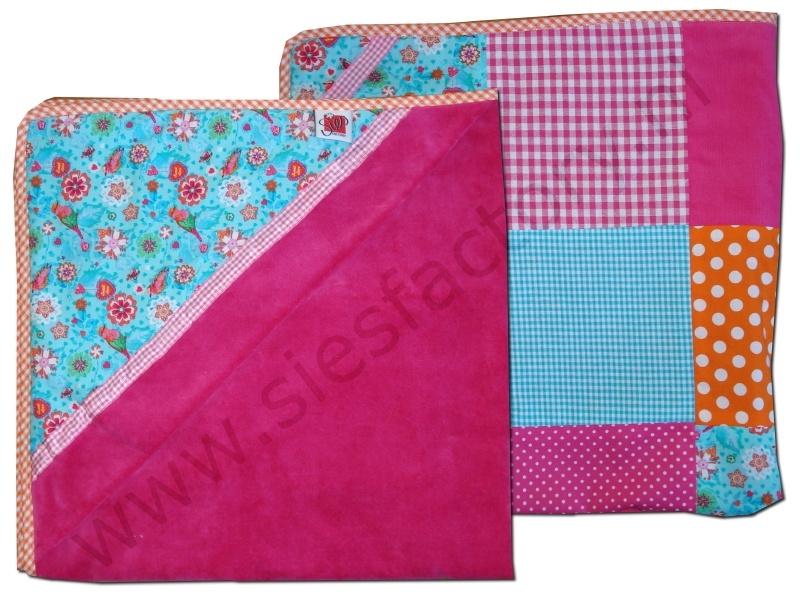 Wikkeldoek roze, oranje en aqua blauw met vogeltjes / bloemen / hartjes