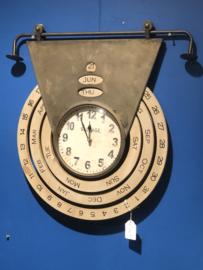 Klok hout met datum