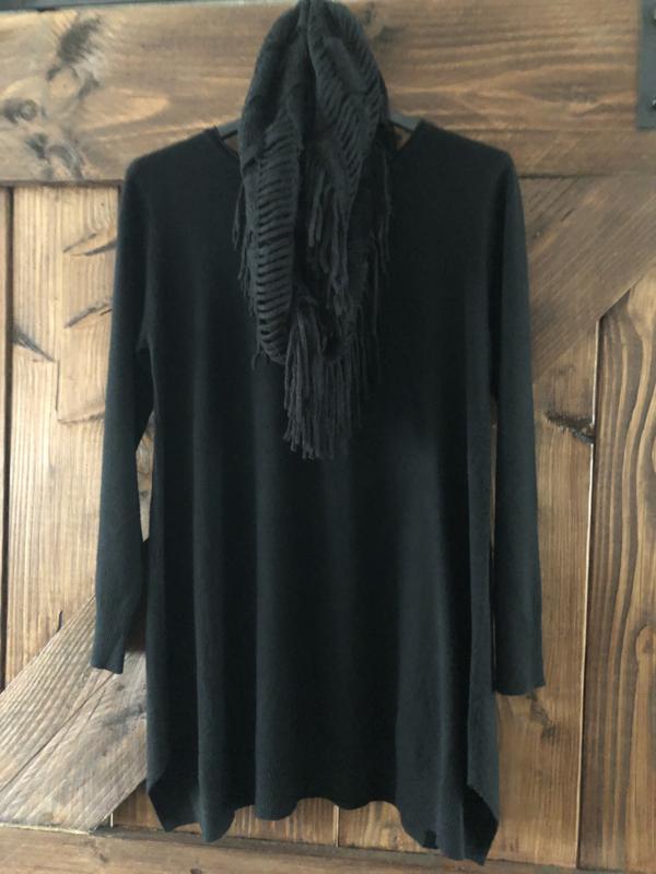 trui met sjaal zwart