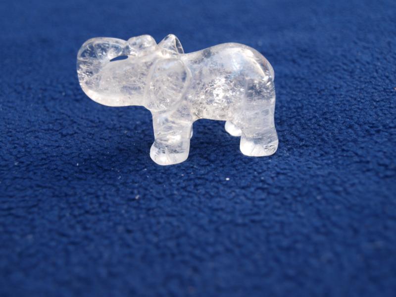 Bergkristal olifantje BE52
