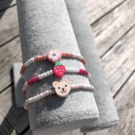 Armbandje bloem-aardbei-beer