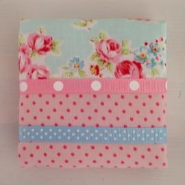 Haarspeldjesbord 10 x 10 cm roze bloemetje