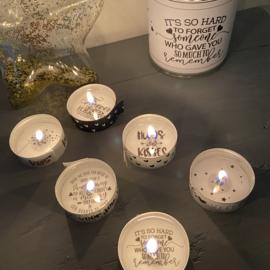 Blikje waxinelichtjes boodschap Loving Memory