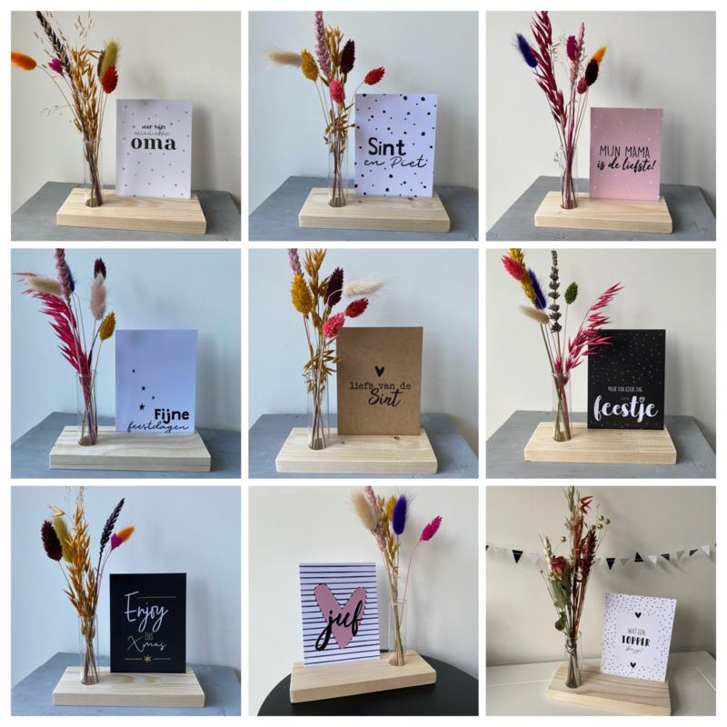KaartStandaard met vaasje droogbloemen