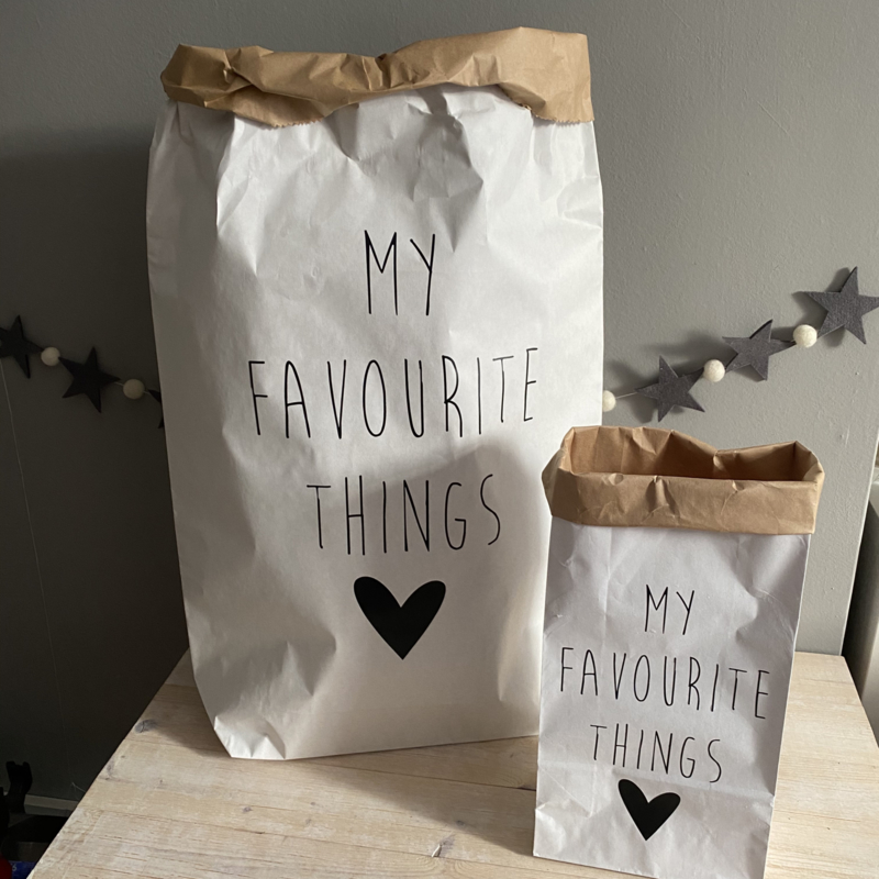 Paper bag  'My favourite things' (XS)