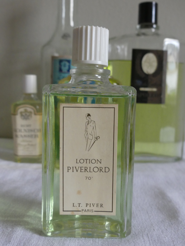 "Oud flesje after-shave lotion ""Piverlord"""