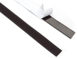 Zelfklevend klittenband 2 cm breed. Haak en lus.