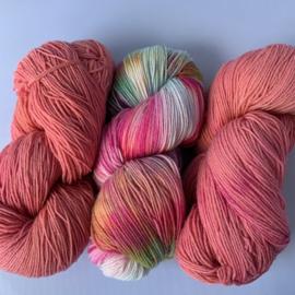 Handgeverfd garen, Candystore en 2x Peach, 300 gram sokkenwol