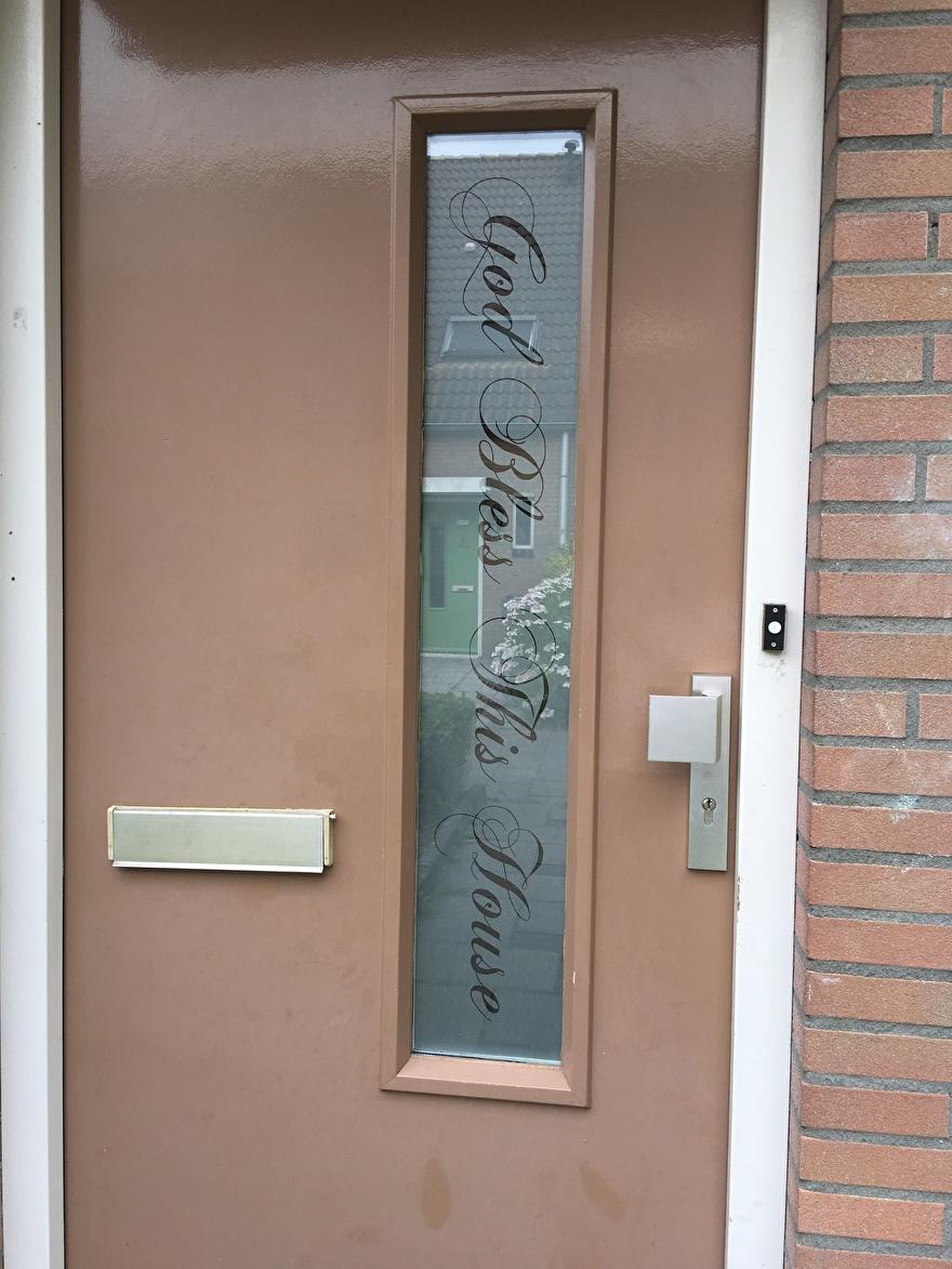 raamfolie voordeur met tekst
