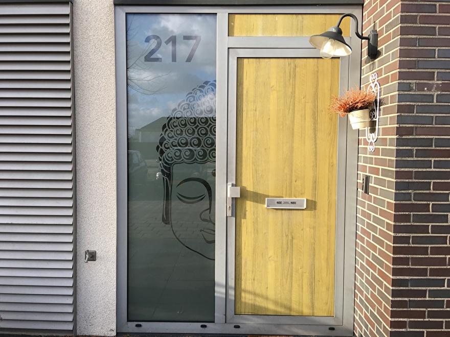 raamfolie op maat met huisnummer
