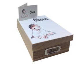 Bewaardoos hout met afbeelding geboortekaartje