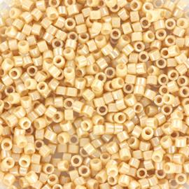Miyuki Delica 11/0  - Nr  DB-205 - 5 grammes - Ceylon Beige